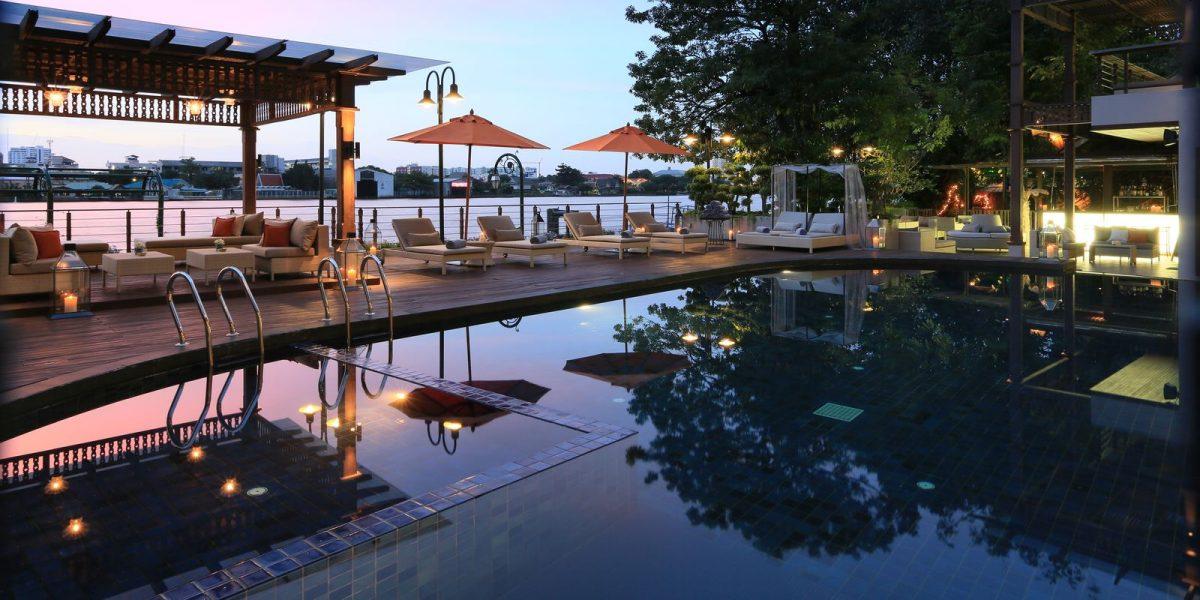 bangkok-thailand-riva-surya-pool